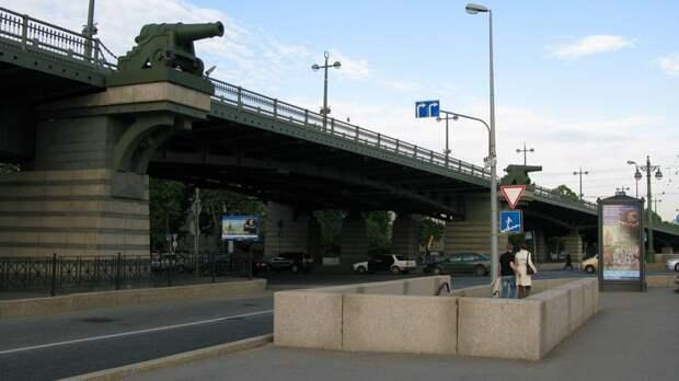 На Ушаковском путепроводе обновят асфальт