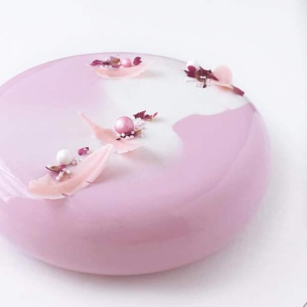 Зеркальные торты, которые выглядят как драгоценные камни