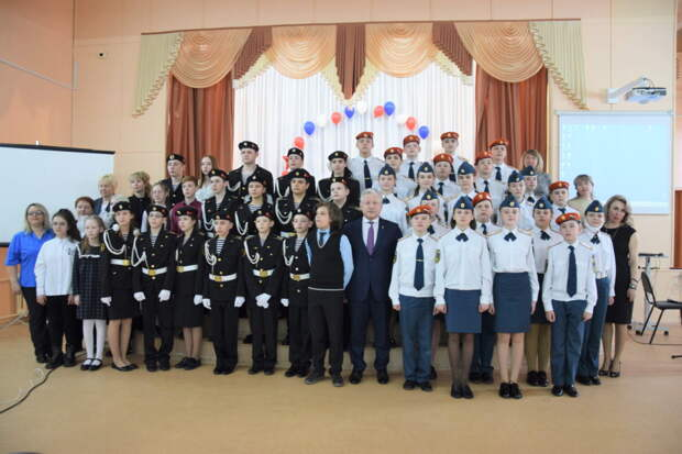 Кадетов, спасших 14 человек при пожаре в московской гостинице, чествовали в Братске