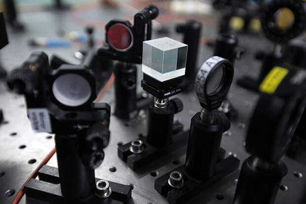 «Надо придумывать новые фундаментальные подходы»: физик МГУ — о развитии квантовых вычислений в России и мире