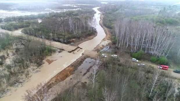 В Белогорском, Ромненском и Тындинском районах Амурской области подтопило дороги и сёла