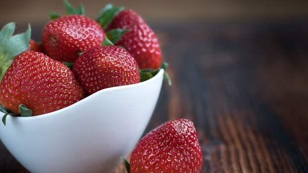 Любимая многими россиянами ягода способна снизить риск развития рака
