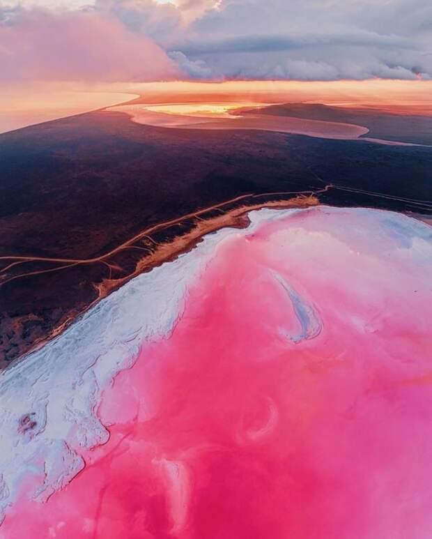 5 невероятных фото розового озера в Крыму