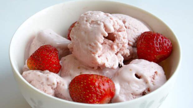 Есть натуральное домашнее мороженое — истинное наслаждение в любое время года. /Фото: slavdelo.dn.ua