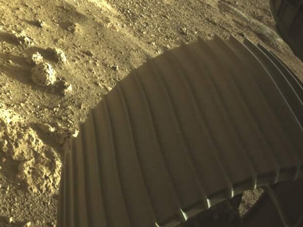 62 кадра в одном: Perseverance поделился новым селфи с Марса