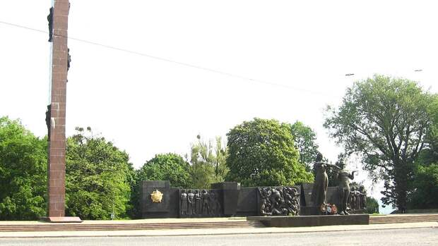 Монумент Славы в прошлом