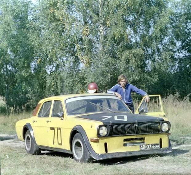 А вот, собственно, ещё советский тюнинг советского же авто. Мастера у нас были всегда автомобили, машины, советские авто, тюнинг