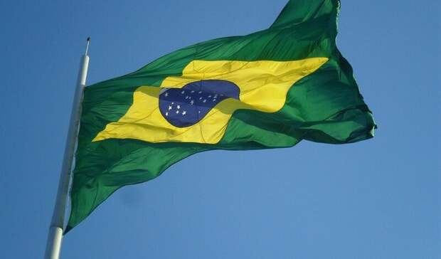 Власти Бразилии направят $1млрд наобеспечение населения вакциной отCOVID-19