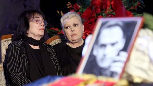 Цивин заявил, что именно он и Дрожжина ухаживали за больным Баталовым