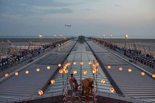 Chubu Centrair  - японский аэропорт, построенный на искусственном острове.