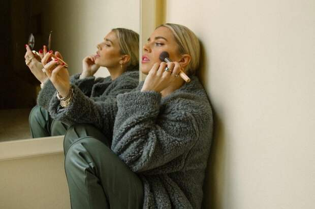 Порядок нанесения макияжа на лицо: 7 главных этапов