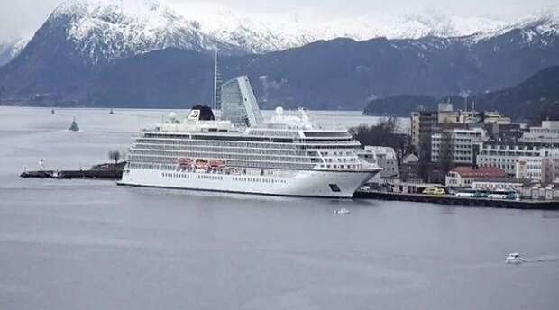 Почти 30 пассажирам с судна Viking Sky потребовалась помощь медиков