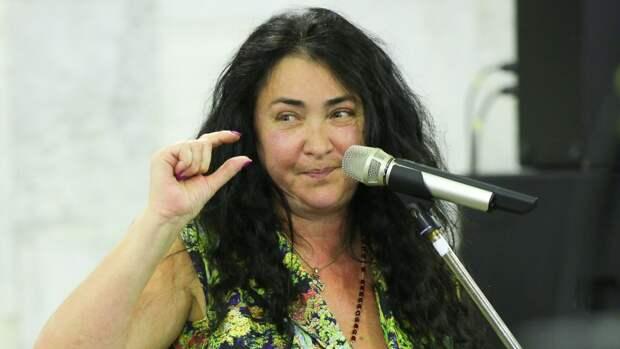 Лолита рассказала, как едва не стала жертвой насильника в юности