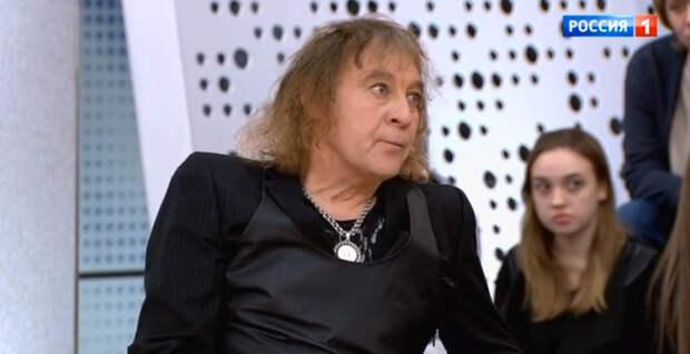 Александр Добрынин: «Если бы не было кота, я бы сделал что-то с собой после смерти мамы»