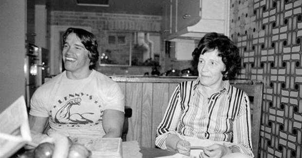 Арнольд Шварценеггер и его мама Аурелия Шварценеггер
