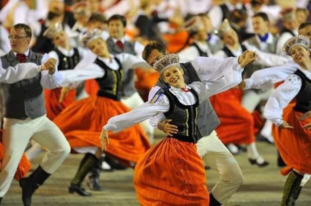 Премьер-министр Латвии: Праздника песни не будет