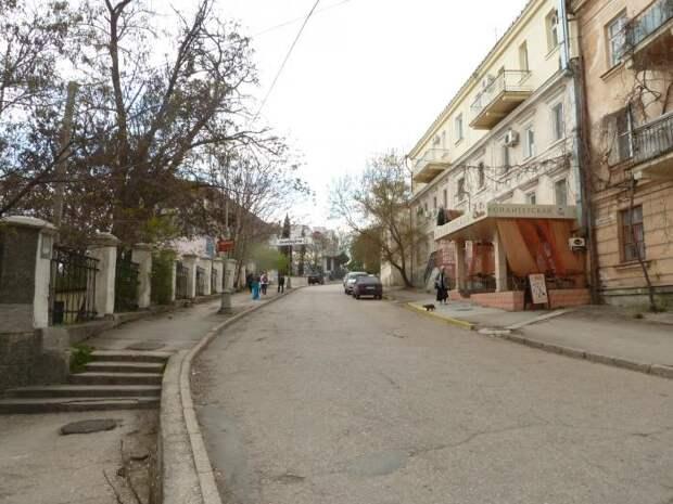 В Севастополе на неделю перекроют движение по улице Воронина