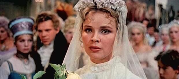 """Тамара Семина в фильме """"Крепостная актриса"""", 1963 год."""