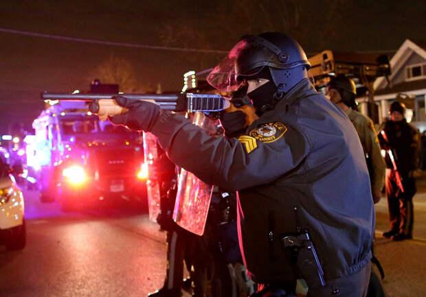 """Приказ получен негласно: валить преступников с """"предметами похожими на пистолеты"""" по-американски"""