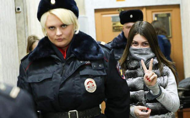 Берегись, Москва: Мара Багдасарян скоро снова с правами!