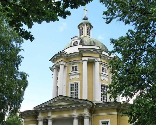 Храм в Виноградове откроется для прихожан накануне праздника Троицы