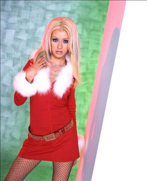 Звездные женщины в костюме Санты, которые не оставят вас равнодушными!