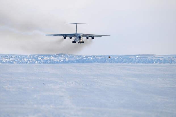 Россия построила в Арктике первую взлетно-посадочную полосу под все самолёты