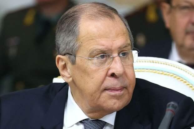 Лавров сказал, что Украина клянчит, но она еще и угрожает Европе