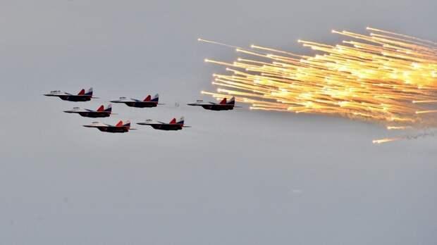 Авиагруппа «Стрижи» может провести выступление с использованием цветного дыма