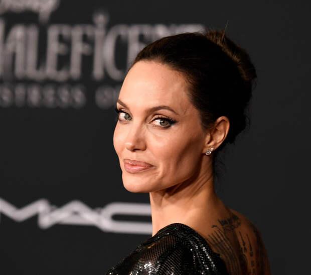 Анджелина Джоли обсудила со Светланой Алексиевич ситуацию в Беларуси