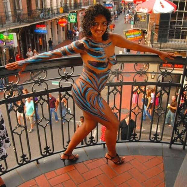 Групповуха вквадрате: вНовом Орлеане проходит ежегодный фестиваль свингеров