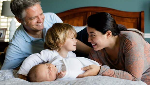 Губернатор Подмосковья пожелал детям и родителям семейного тепла