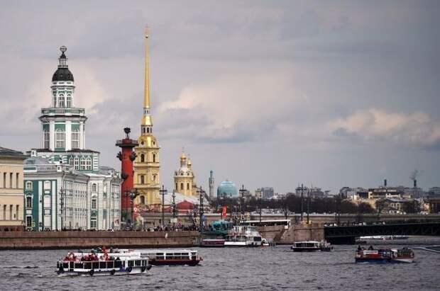 Петербург вошел в топ самых популярных городов для отдыха туристов-одиночек