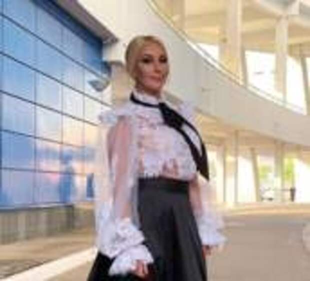 Лера Кудрявцева отдыхает в Адлере