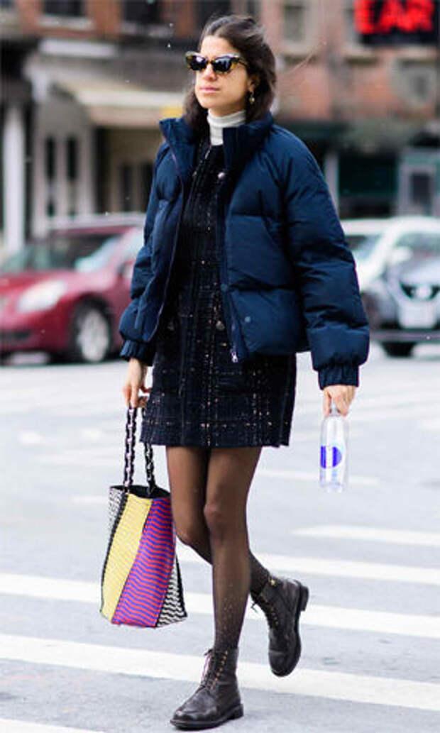 Ботинки на шнуровке с платьем и короткой курткой