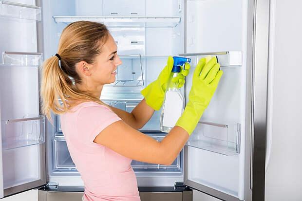 Перекладываем еду внутри холодильника, чтобы хранилась в 2 раза дольше, а полки чистим пылесосом
