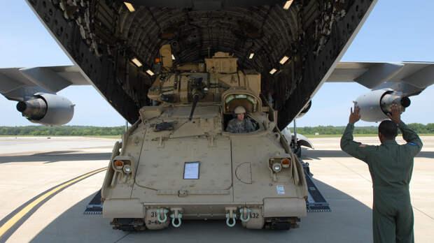 Bloomberg: США должны перестать потакать капризам своих военных