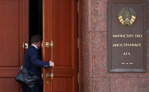 «Это самоубийство для Батьки»: Киев требует выдать воевавших в Донбассе 33 россиян