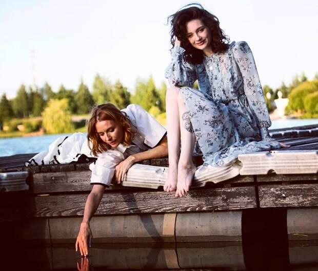 Мария с мамой, Любовью Толкалиной
