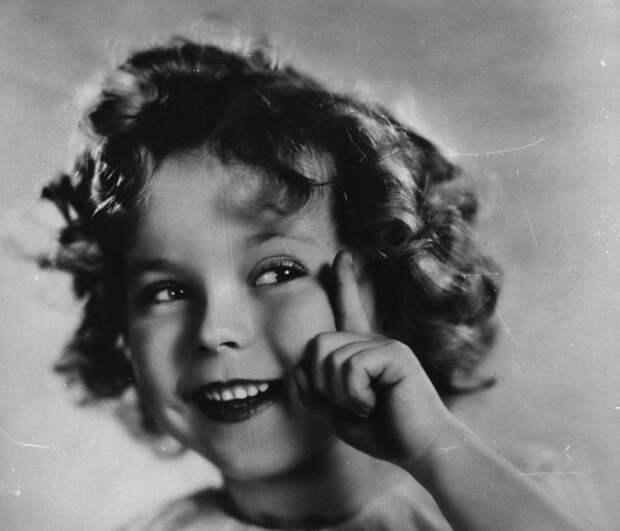 5 малоизвестных фактов о звезде Голливуда, которая получила Оскар в 6 лет: Ширли Темпл