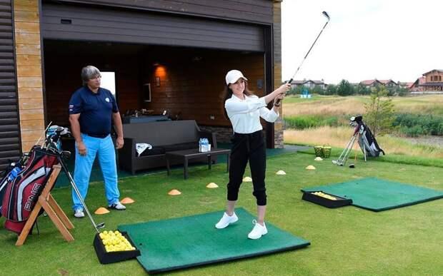 Загитова — о тренировке по гольфу: «Была очень рада открыть для себя прекрасный вид спорта»