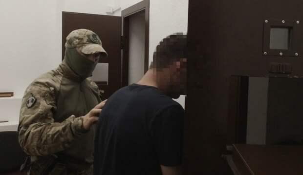 Крымчанина задержали за сообщение о подготовке теракта в школе