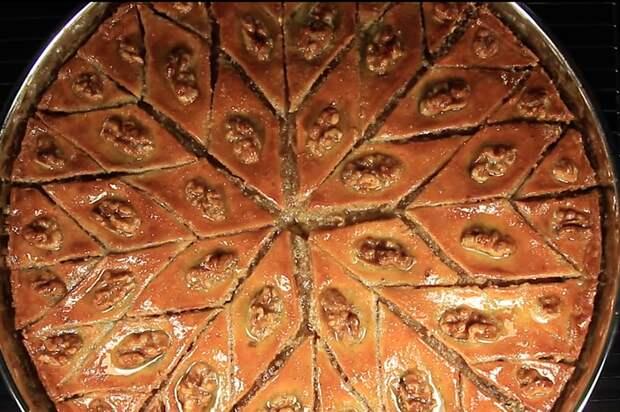 Бакинская Пахлава (Азербайджанская Кухня) Пахлава, Видео, Видео рецепт, Длиннопост, Вкусно, Сладости, Десерт