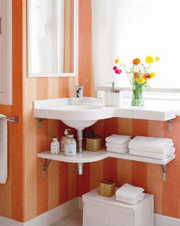 стены в маленькой ванной комнате