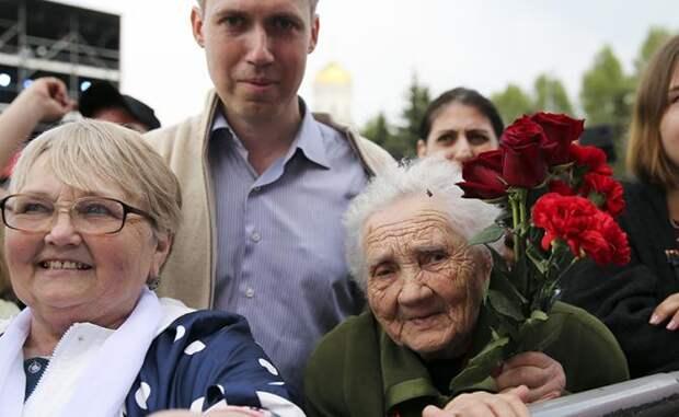Цинизм пенсионной реформы: Украв у россиян 5 лет жизни, власть дарит 1 день на медосмотр
