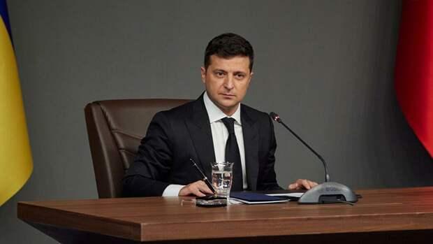 Зеленский в поисках уникальности и полезности Украины