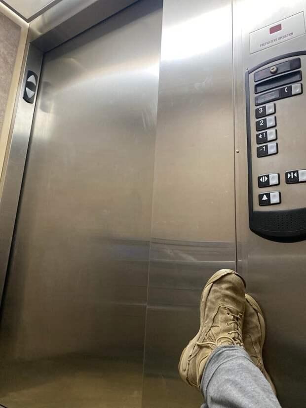 Я застрял в лифте на три часа
