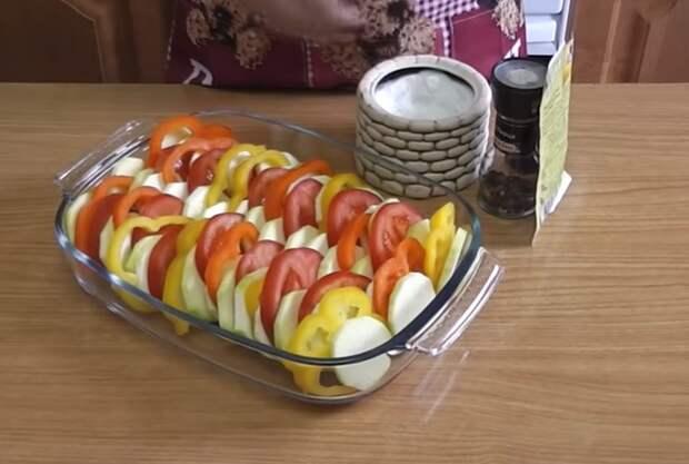Овощи уложить вертикально.
