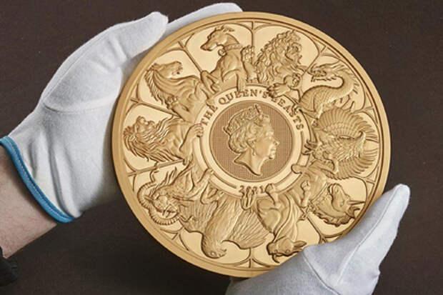 Британцы выпустили самую большую монету в истории