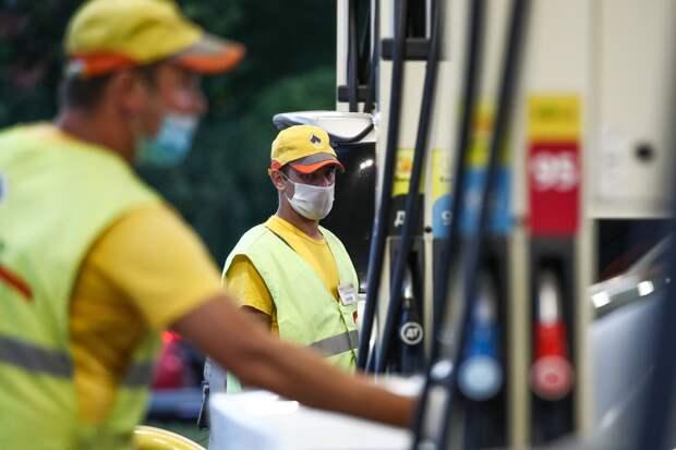 Мишустин: Правительство будет контролировать ситуацию с ценами на АЗС